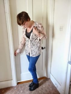 Blogger Laura at PetitMoi-BigWorld shows off her style in Gabor Vastra