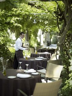 Le prieure restaurant and hotel- Avignon France. Charming restaurant for lunch