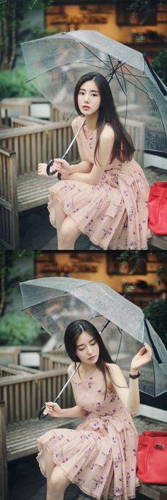 Bestie - Nhung chiec vay hoa duyen dang lam cho mua Xuan - He them ruc ro Korean Beauty, Asian Beauty, Fashion Poses, Fashion Outfits, Asian Fashion, Girl Fashion, Pretty Asian, Asia Girl, Korean Model
