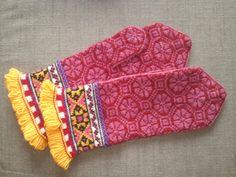Latvian mittens.