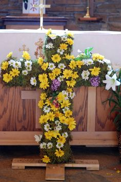 Holy Week Service Schedule Palm Sunday through Easter Sunday.
