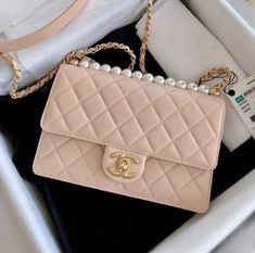 Chanel Handbags, Fashion Handbags, Fashion Bags, Cute Handbags, Chanel Bags, Luxury Purses, Luxury Bags, Luxury Handbags, Beautiful Handbags