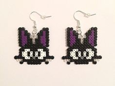 A pair of adorable Jiji kitty earrings, inspired by Studio Ghiblis Kikis Delivery Service! The super-cute pixel design has been free-handed by Perler Bead Templates, Diy Perler Beads, Perler Bead Art, Pearler Beads, Undertale Pixel Art, Homemade Gifts For Dad, Pixel Art Grid, Pixel Beads, Pix Art
