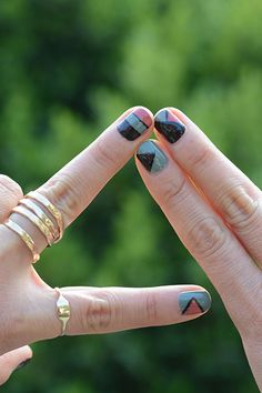 Having short nails is extremely practical. The problem is so many nail art and manicure designs that you'll find online Dream Nails, Love Nails, How To Do Nails, Fun Nails, Pretty Nails, Toenail Fungus Laser Treatment, Nail Remover, Finger Art, Nail Polish Designs
