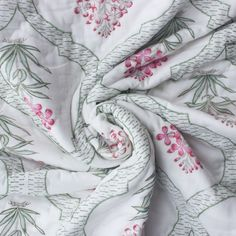 Spring is all about sunny days and its freshness. Time to give your bedroom a make over. Add this soft floral block printed quilt to your bedroom decor. Click the link to shop. . . . . #quilts #blockprinted #summerquilt #cottonquilt #decor #homedecor #boho Summer Quilts, Queen Size Quilt, Quilts For Sale, Global Design, Hand Quilting, Cotton Quilts, Mother Day Gifts, Handicraft, Printed Cotton