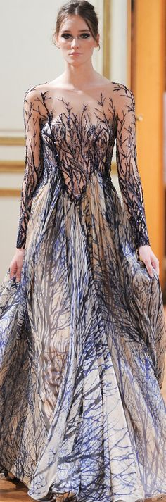 Zuhair Murad Fall Winter Haute Couture Collection I love the print, how it looks kinda of like black frost, or branches Style Couture, Couture Fashion, Paris Fashion, Fashion Show, Fashion Design, High Fashion, Gowns Couture, Couture Shoes, Gothic Fashion