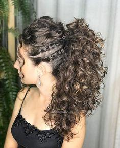 Die 10 besten heute [Neu] Die 10 besten Frisuren von heute (mit Bildern) - Pony Hair Cacheado com torções Ohne WorkShop im Cabelos Naturais !Aguardem que vem m # Flat Twist Hairstyles, Curly Weave Hairstyles, African Braids Hairstyles, Curly Hair Styles, Cool Hairstyles, Natural Hair Styles, 1950s Hairstyles, Curly Hair Dos, Quince Hairstyles