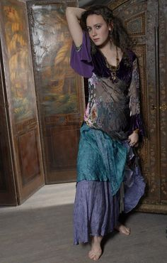 Gypsy Moon: Romantic Vintage Inspired Clothing Bohemian Gypsy, Bohemian Style, Boho, Vintage Inspired Outfits, Vintage Outfits, Romantic Outfit, Romantic Clothing, Hippie Goth, Gypsy Costume