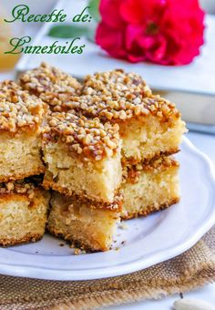 gâteau au yaourt amandes miel façon financier_ Sweet Recipes, Cake Recipes, Dessert Recipes, Cake Factory, Romanian Food, Pastry Cake, Amazing Cakes, Biscuits, Bakery