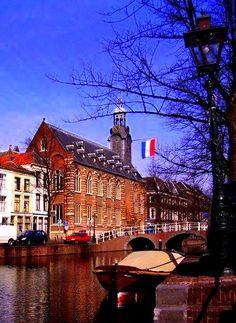 Leiden - Leiden University Law School