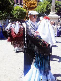 Con mi Aguja en las Nubes: Madrid se llena se Chulapos y Chulapas por San Isidro. Fiesta, Madrid, moda, Isidro, tejidos, trajes típicos, vestuario.