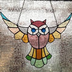 Stained Glass Sun Catcher Owl : Sun Catcher will help you to get more sunshine from nature to your home. It is designed and made by Lidia from art glass using traditional technique in Tiffany style. Stained Glass Ornaments, Stained Glass Suncatchers, Stained Glass Flowers, Stained Glass Panels, Stained Glass Projects, Leaded Glass, Stained Glass Art, Mosaic Glass, Mosaic Mirrors