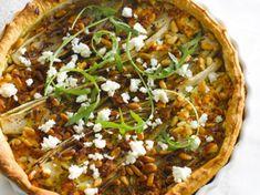 Quiche with feta! Feta, Pizza Legume, Quiches, Vegetable Pizza, Brunch, Paleo, Veggies, Tacos, Honey