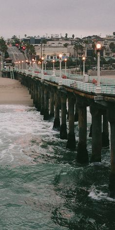 Misty Morning.. Manhattan Beach, California (by andytomasello on Flickr)