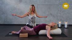 Yin-Yoga-Video mit Helga Baumgartner - Reclined Butterfly- der liegende Schmetterling! https://www.youtube.com/watch?v=nZFzQf3LYc0
