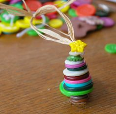 Beneath the Rowan Tree: Button Tree :: Fun and Simple Christmas Craft