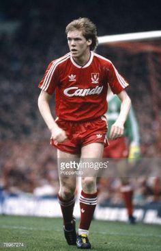 18th March 1989 FA Cup 6th Round Steve Staunton Liverpool full backSteve Staunton won 102 Republic of Ireland international caps 19892002