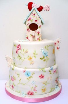 Lovely handpainted birdhouse cake!