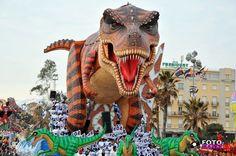 """""""Carnevale viareggio 2012-prima categoria """"2012. Un solo futuro, il passato."""""""
