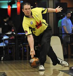Lockport's Brian Valenta — and his two-handed delivery — having a ball in PBA - PhotoGallery - Chicago Sun-Times. This is Sean Rash!