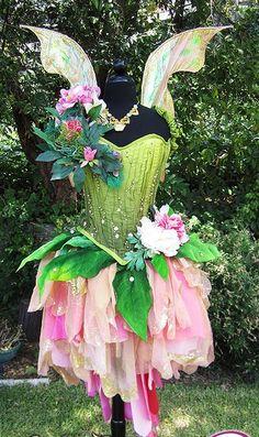 New garden fairy costume kids halloween Ideas Fairy Costume Diy, Fairy Cosplay, Costume Halloween, Renaissance Fairy Costume, Woodland Fairy Costume, Flower Costume, Halloween Ideas, Fantasy Costumes, Dance Costumes