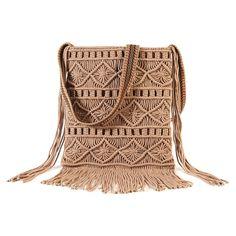 Tas in macraméEen pockettas bewerkt op macramé en lange fran Macrame Projects, Crochet Projects, Pochette Portable, Crochet Decoration, Macrame Bag, Macrame Dress, Boho Diy, Bohemian Bag, Macrame Tutorial