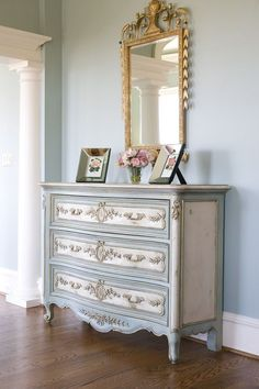 blue/cream chest. gold mirror