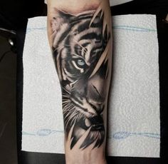 Tattoo Forearm Lion Thighs 25 Trendy Ideas Tattoo Forearm Lion Oberschenkel 25 trendige Ideen This image has get. Tigeraugen Tattoo, Hand Tattoos, Skull Hand Tattoo, Tattoos Arm Mann, Tattoo Style, Wolf Tattoos, Lion Tattoo, Arm Tattoos For Guys, Trendy Tattoos