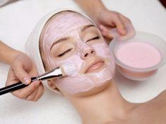 Συσφίξτε το δέρμα στο πρόσωπό σας με αυγό και μέλι! - Νέα Διατροφής