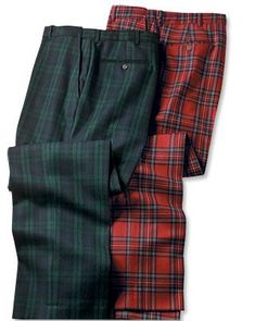 Scottish Tartan Trousers in Black Watch - Herren Style Mens Plaid Pants, Tartan Men, Tartan Pants, Pantalon Tartan, Style Vintage Hommes, Suit Man, Fashion Pants, Mens Fashion, Men's Bottoms