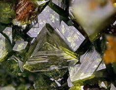 Bariopharmacosiderite.  Grube Clara, Oberwolfach, Schwarzwald, Baden-Württemberg, Deutschland FOV=4.37 mm Photo loparit