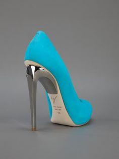 metallic heel pump