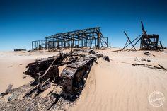 Abandoned Tank in the Namib Desert Namibia [OC][6000x4004]