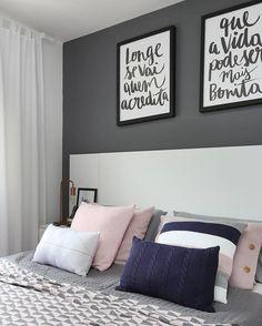WEBSTA @ apartamento_203 - Quando se tem um quarto com tons neutros, podemos mudar tudo! Novos quadros da @urbanarts