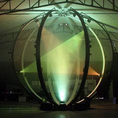 La instalación Ciclos da forma a la música por medio de luz láser