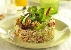 La quinua es uno de los alimentos más populares y saludables del mundo, además de estar en moda hoy en día, sus propiedades siguen siendo descubiertas y aprovechadas por muchas personas. Ahora también puedes probarla en una deliciosa ensalada de quinoa con nueces de california. Receta de ensalada de quinoa con nueces de california La …