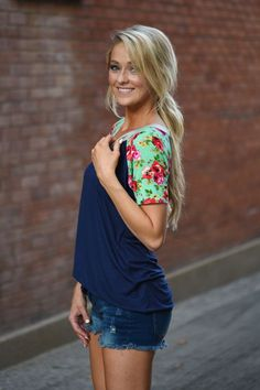 Collar Full of Color Floral Top ~ Navy – The Pulse Boutique