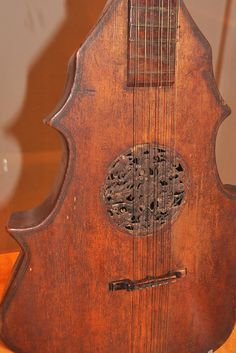 Cittern 1550 photo by Linda Britt