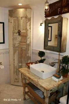 Rustic Bathroom Ideas and Decor Tips | Rustic bathrooms, Barn ...