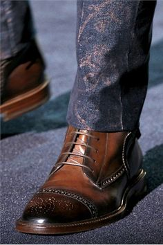 Looooove these boots. Oh that detail!