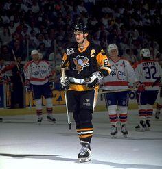 1992 Capitals to Penguins Ice Hockey Players, Ice Hockey Teams, Nhl Players, Pens Hockey, Hockey Stuff, Mike Bossy, Mario Lemieux, Hockey Girls, Hockey Mom