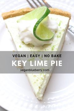 Vegan Key Lime Pie The best easy vegan Key Lime Pie filling is rich and creamy thanks to raw cashews and coconut milk! Refresh your palate with this delicious and healthy treat no bake recipe! Vegan Key Lime Pie, Vegan Pie, Raw Vegan, Dairy Free Key Lime Pie, Keylime Pie Recipe, Apple Smoothies, Vegan Dessert Recipes, Dinner Recipes, Vegan Treats