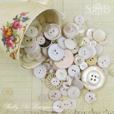 For the love of vintage buttons - Shabby Art Boutique