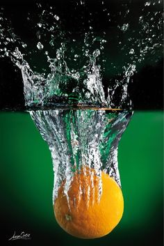 #splash verdura #frescura #agua #studio #ecuador #juanortizfotografia #fruta #naranja #orange