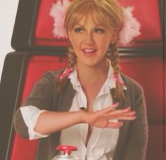 Xtina as Britney...The Voice promo sketch