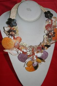 Tahitian shell necklace