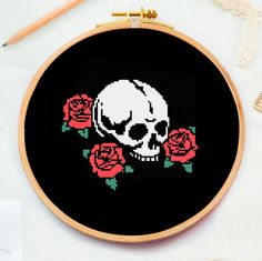 Cross Stitch Skull, Small Cross Stitch, Cute Cross Stitch, Rose Embroidery, Cross Stitch Embroidery, Embroidery Patterns, Easy Cross Stitch Patterns, Cross Stitch Designs, Cross Stitch Quotes