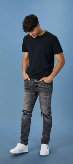 Shop American Eagle Men's Jeans to find the fit that's right for you. Browse fits like skinny, slim, bootcut and more in all the best washes and designs. Stylish Men, Men Casual, Casual Guy Clothes, Teen Boy Clothes, Cool Clothes For Teenagers Boys, Men Clothes, American Eagle Mens Shirts, Teenage Boy Fashion, Mens Outfitters