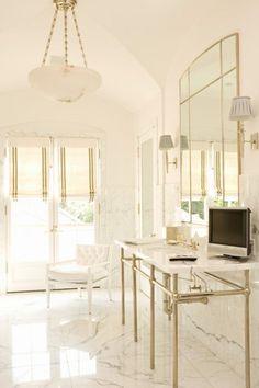 The Pink Pagoda: Interior Designer Elizabeth Dinkel Sweet Home, Luxury Mirror, Chic Bathrooms, Master Bathrooms, White Rooms, Luxury Interior Design, Interior Ideas, Modern Interior, Elegant Homes