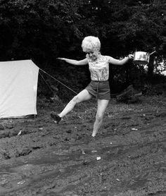 Barbara Windsor gets stuck in the mud while filming Carry on Camping. The film became the most popul. 31 Film, Jim Dale, Kenneth Williams, Barbara Windsor, Stuck In The Mud, It's Going Down, Dirty Dancing, Classic Movies, On Set